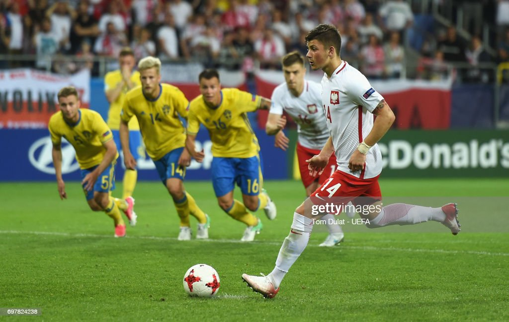 Dawid Kownacki of Poland scores his late penalty during the UEFA European Under-21 Championship Group A match between Poland and Sweden at Lublin Stadium on June 19, 2017 in Lublin, Poland.