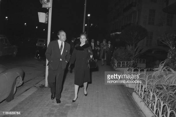 Dawn Addams et son mari Don Vittorio Emanuele Massimo di Roccasecca le 10 janvier 1963 France