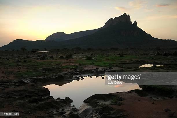 Dawn at Hombori