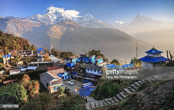 dawn at tadapani, annapurna region, nepal - pokhara stock pictures, royalty-free photos & images