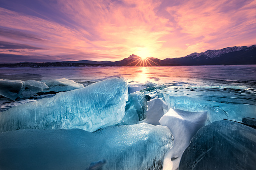Dawn Breaks, Ice Breaks, Abraham Lake, Alberta, Canadian Rockies 959052860