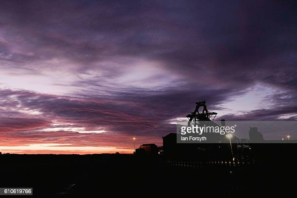 Dawn breaks over the closed SSI steel making plant on September 27 2016 in Redcar United Kingdom One year on since the SSI steel making plant at...