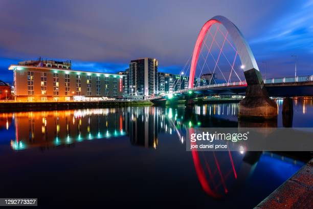dawn, clyde arc, glasgow, scotland - river clyde stock pictures, royalty-free photos & images