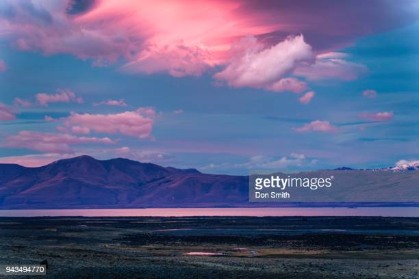 dawn light and lake viedma - don smith ストックフォトと画像