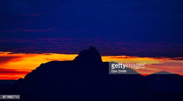 dawn light and vishnu temple, grand canyon - don smith stockfoto's en -beelden