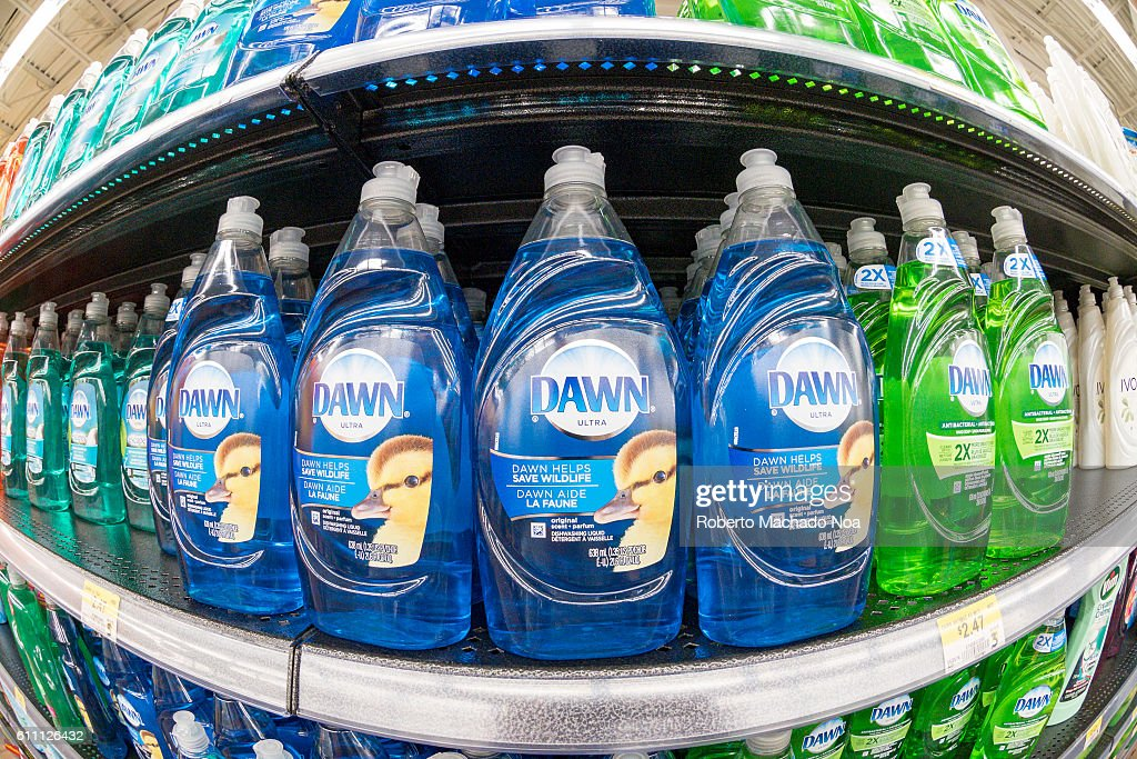 Dawn liquid soap dish washer, arranged on display in a store... : News Photo