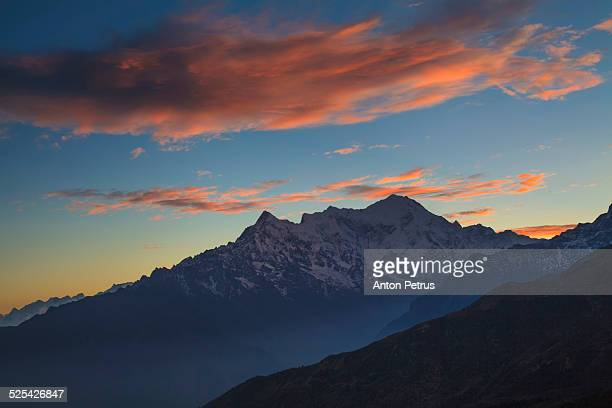 dawn over the himalayas - anton petrus stock pictures, royalty-free photos & images