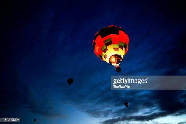 dawn patrol hot air balloons flying - hot air balloon stock pictures, royalty-free photos & images