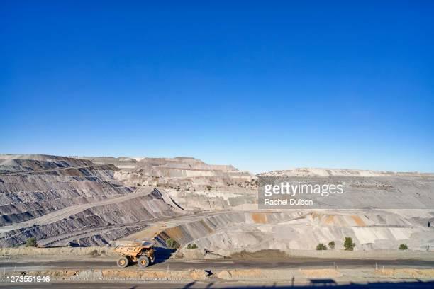 dawson coal mine queensland - 鉱山 ストックフォトと画像