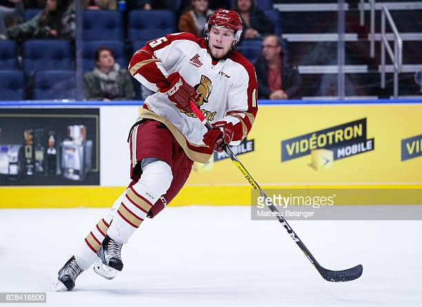 Dawson Theede of the Acadie-Bathurst Titan skates during his QMJHL hockey game at the Centre Videotron on November 9, 2016 in Quebec City, Quebec,...