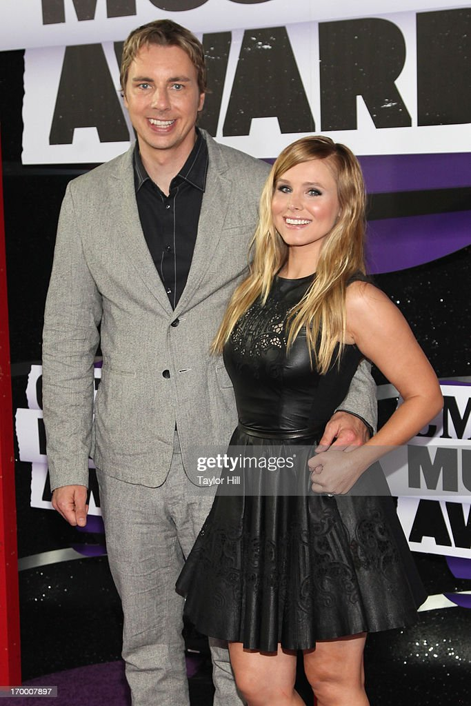 Dax Shepard and Kristen Bell attend the 2013 CMT Music awards at the Bridgestone Arena on June 5, 2013 in Nashville, Tennessee.