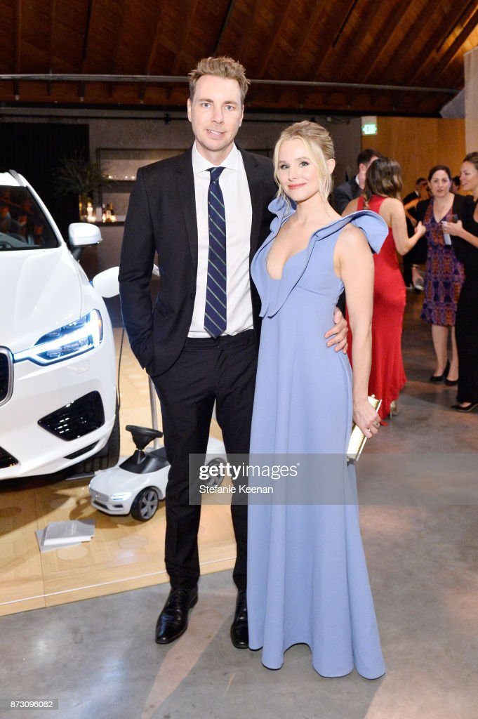 Dax Shepard (L) and Kristen Bell attend The 2017 Baby2Baby Gala presented by Paul Mitchell on November 11, 2017 in Los Angeles, California.
