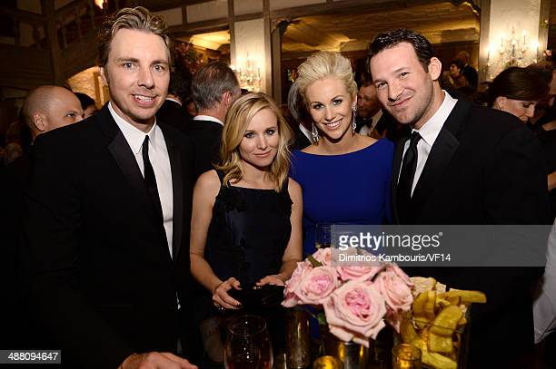 Dax Shepard Kristen Bell Candice Crawford and Tony Romo attend the Bloomberg Vanity Fair cocktail reception following the 2014 WHCA Dinner at Villa...