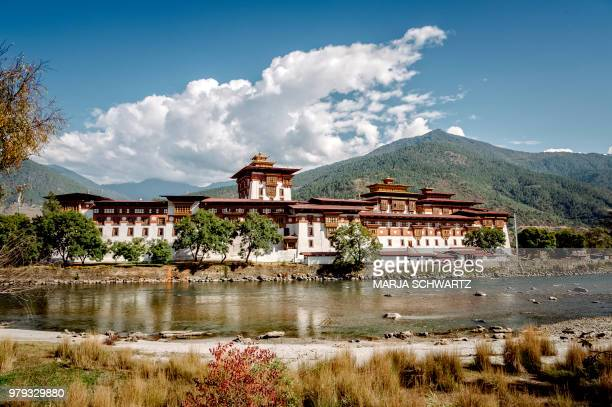 day 12 @ punakha, bhutan - bhutan stock pictures, royalty-free photos & images