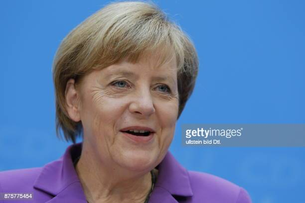 A day after the elections in Thuringia and Brandenburg presented the Chancellor Angela Merkel flowers to leading candidate Christine_Lieberknecht...