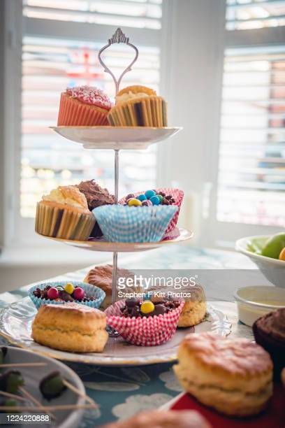 ve day afternoon tea - british flag cake stock pictures, royalty-free photos & images