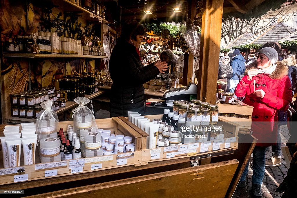 A day around the typical Christmas markets in Bressanone,... : Nachrichtenfoto