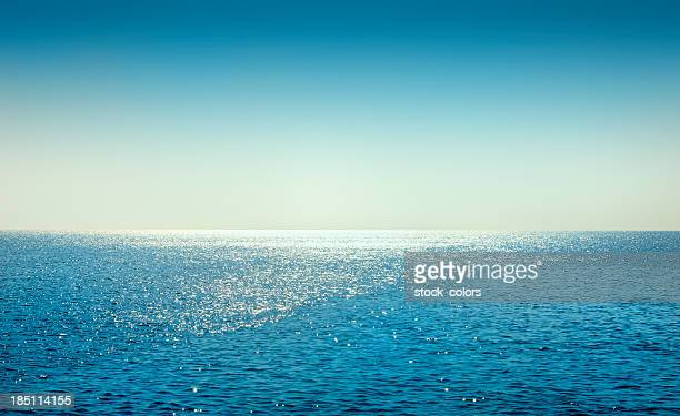 day at seaside - horizon stock pictures, royalty-free photos & images