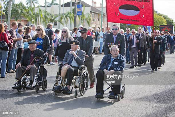 anzac day march veterans - anzac day stock pictures, royalty-free photos & images