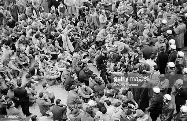 Day Of Riots In Algiers For The Coming Of Guy Mollet Alger 7 février 1956 émeutes européennes lors de la venue du président du Conseil Guy MOLLET...