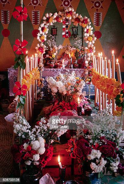 day of the dead decorations - shrine stock pictures, royalty-free photos & images