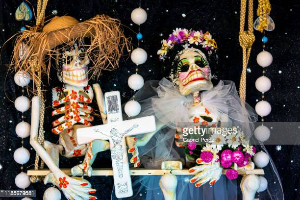 a day of the dead display - day of the dead stock pictures, royalty-free photos & images
