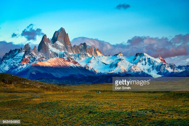 daybreak on fitzroy range - don smith stock pictures, royalty-free photos & images
