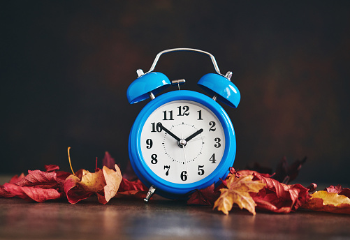 Daylight Savings Time. Clocks Fall Back - gettyimageskorea