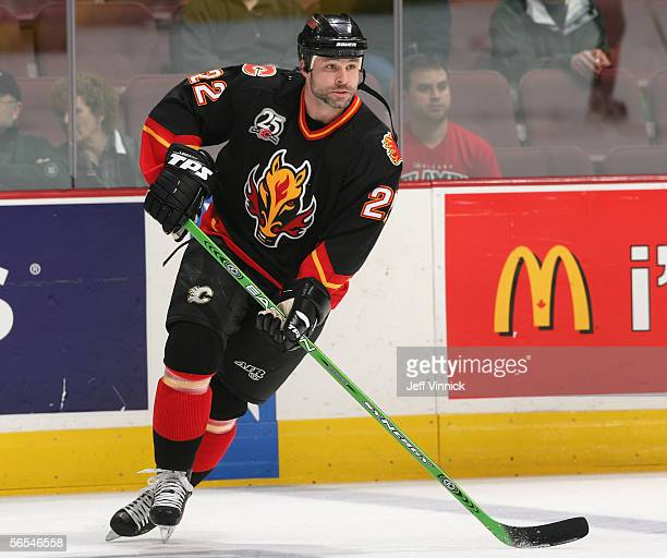 Daymond Langkow of the Calgary Flames warms up against the Vancouver Canucks before the NHL game at General Motors Place on December 23 2005 in...