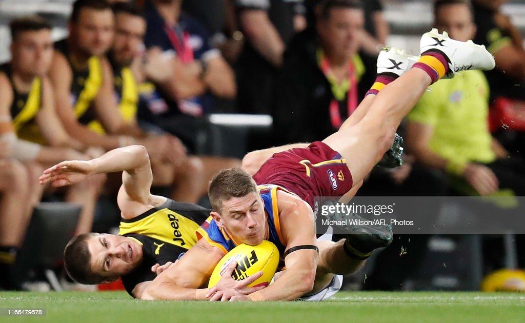 AFL 2nd Qualifying Final - Brisbane v Richmond : News Photo