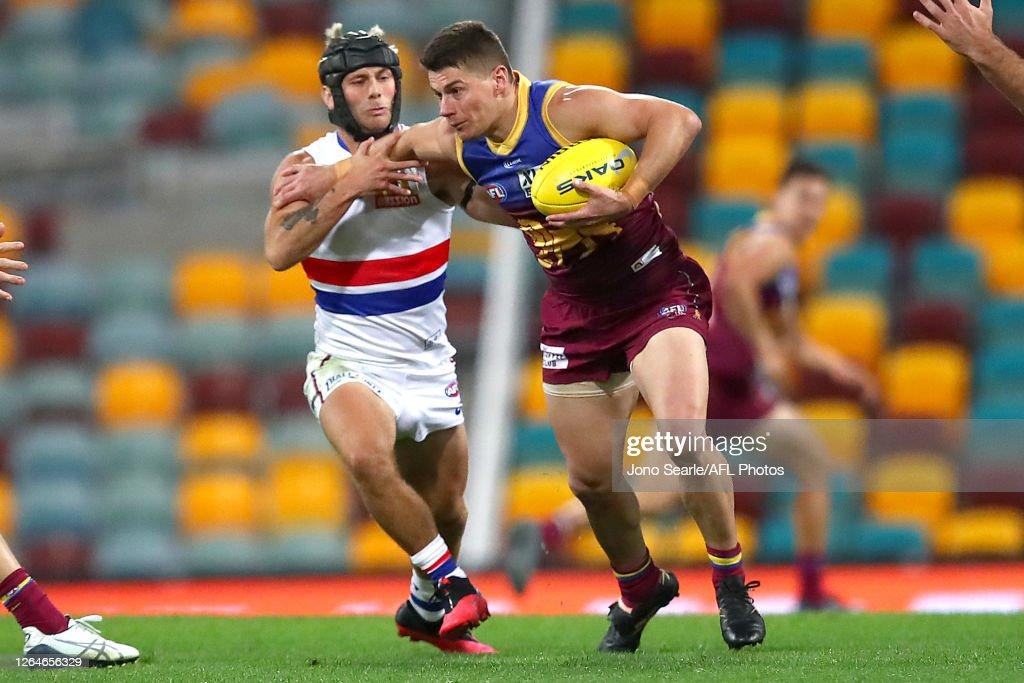 AFL Rd 11 - Brisbane v Western Bulldogs : ニュース写真