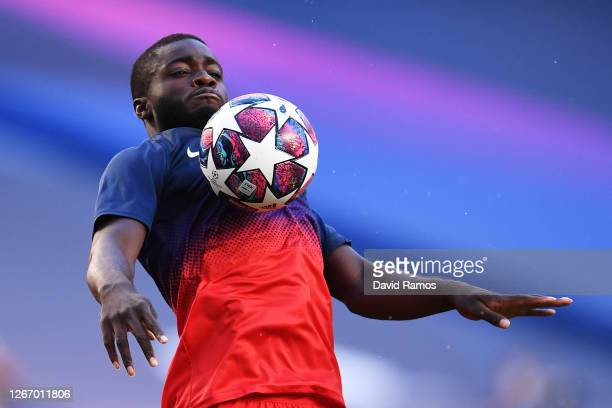 Dayot Upamecano of RB Leipzig warms up prior to the UEFA Champions League Semi Final match between RB Leipzig and Paris Saint-Germain F.C at Estadio...