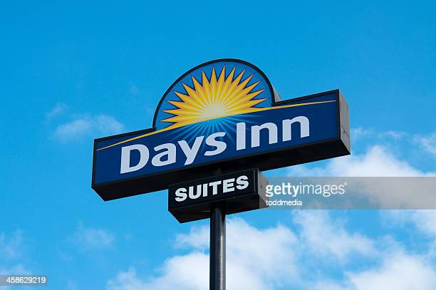 days inn outdoor sign - inn stock pictures, royalty-free photos & images
