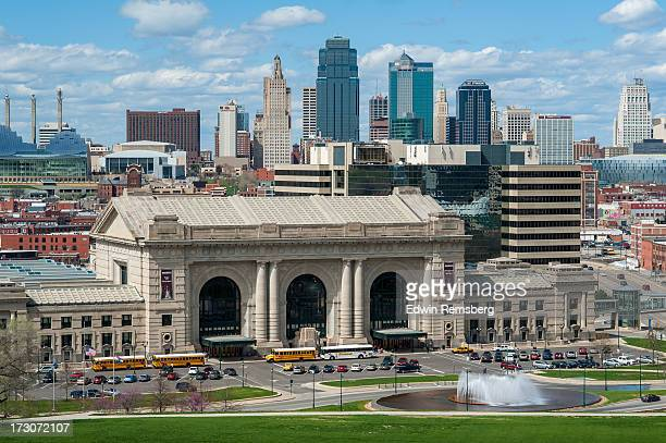 daytime kc skyline - kansas city stock pictures, royalty-free photos & images