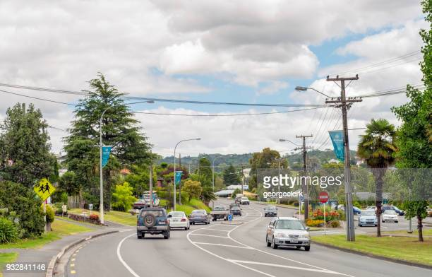 daytime traffic in new zealand - northland new zealand stock pictures, royalty-free photos & images
