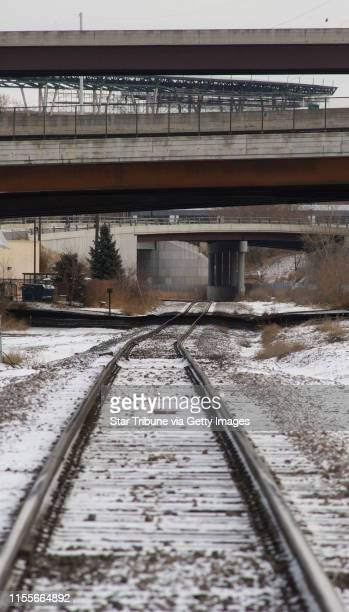 BREWSTER • dbrewster@startribunecom Wednesday_02/18/09_Minneapolis ] The railroad tracks along the north side of downtown Minneapolis looking...