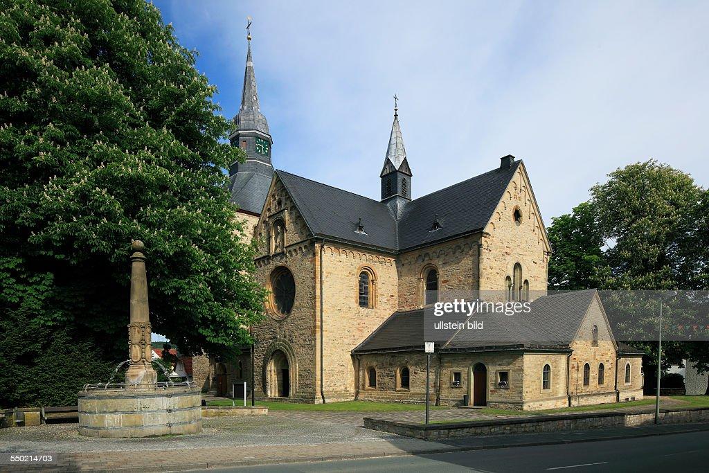 D-Bueren, Buerener Land, Paderborn Plateau, East Westphalia, Westphalian Lowland, Westphalia, North Rhine-Westphalia, NRW, catholic parish church Saint Nicolau, basilica : News Photo
