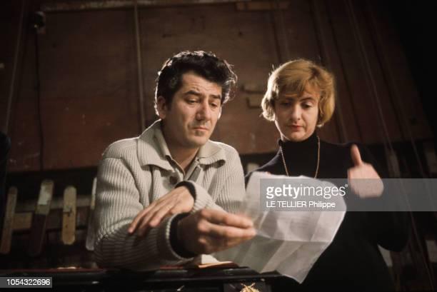PARIS décembre 1963 et janvier 1964 les répétitions de la pièce 'Bonheur impair et passe' de Françoise SAGAN au théâtre Edouard VII avec Juliette...