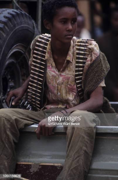Décembre 1992 L'opération Du riz pour la Somalie avec l'arrivée à Mogadiscio du riz collecté en France et le débarquement sous la surveillance de...