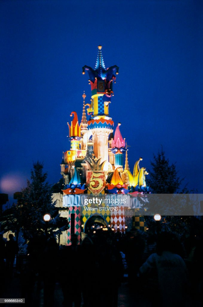 Decoration De Noel A Disneyland Paris En Novembre 1997 France
