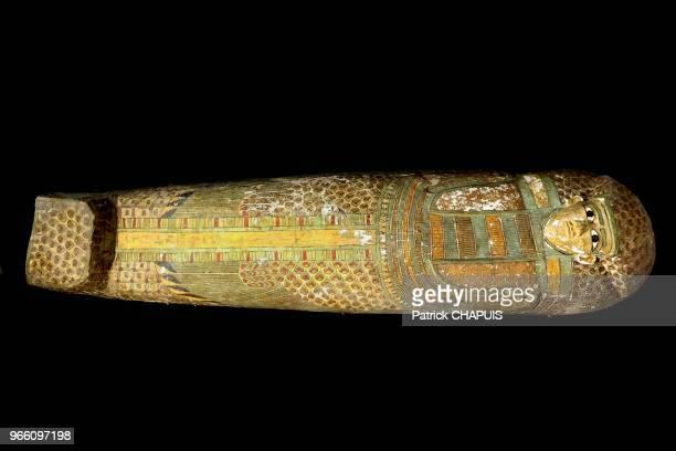 Découverte d'un sarcophageen bois de la 17ème dynastie le 13 février 2014 à Louxor dans la partie orientale de la nécropole thébaine Egypte Le...