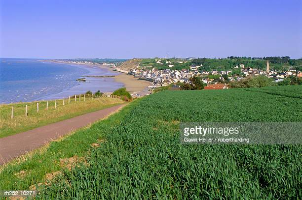 d-day beach, arromanches, normandie (normandy), france, europe - arromanches stock pictures, royalty-free photos & images