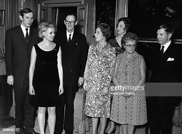 De gauche à droite le Prince Christian sa fiancée AnneDorthe son père et sa mère le prince Knud et la princesse Mathilde sa soeur la princesse...