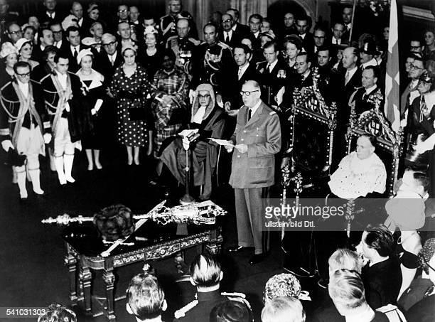 De Gaulle, Charles *22.11.1890-+Politiker, General, FrankreichStaatspraesident von 1959-1969- haelt eine Rede vor Notablen waehrendseines...