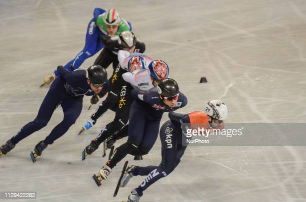de LAAT ItzhakHWANG Dae HeonJUNG Hyun Woo BYKANOV VladislavDOTTI TommasoLEE June Seo WATANABE Keita during Semifinals of the men's 1500m relay during...