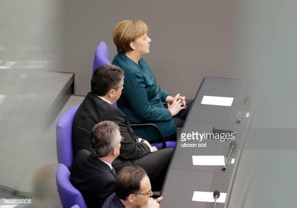 BM de Maiziere BM Gabriel Bundeskanzlerin Angela Merkel Deutschland Berlin Deutscher Bundestag Plenarsaal Vereidigung des neuen Bundespräsidenten...