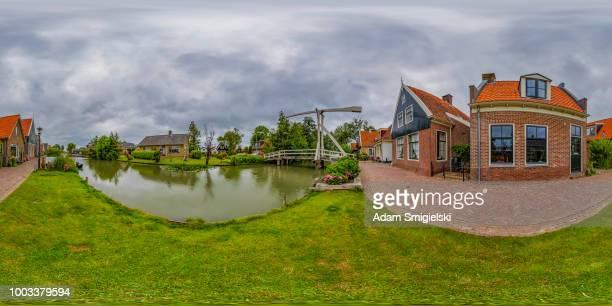 デ rijp - 小さな歴史的なオランダ村 (360 度 hdri のパノラマ) - hdri 360 ストックフォトと画像
