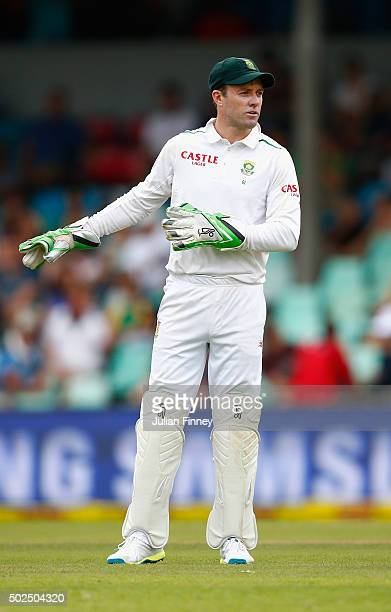 AB de Villiers of South Africa gives instructions during day one of the 1st Test between South Africa and England at Sahara Stadium Kingsmead on...