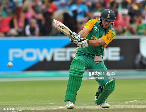 AB de Villiers of South Africa reverse sweeps in his innings of 96 during the 4th ODI match between South Africa and Sri Lanka at De Beers Diamond...