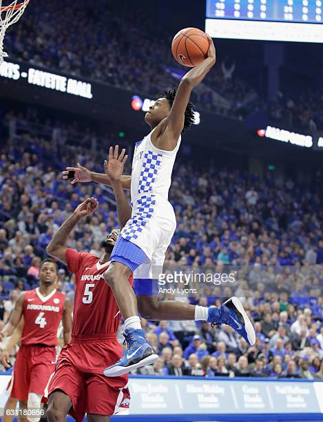 De'Aaron Fox of the Kentucky Wildcats dunks the ball during the game against the Arkansas Razorbacks at Rupp Arena on January 7 2017 in Lexington...